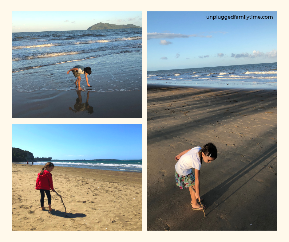 Creating a mandala on the beach, a beach craft activity Beachcombing | Tracing trails